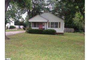 105 Beatrice St, Greenville, SC 29611