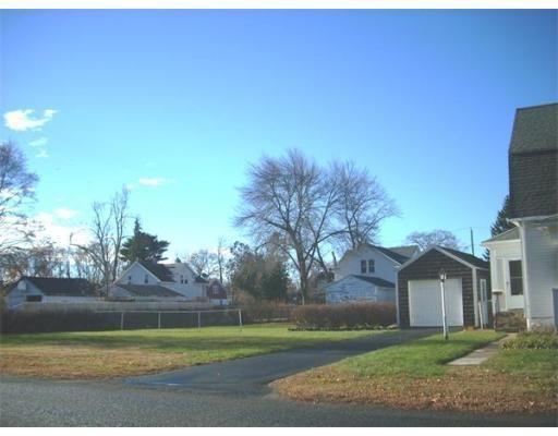 57 Harding St, Agawam, MA 01001