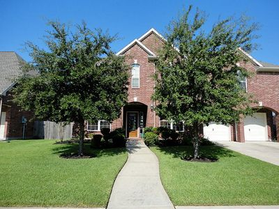 1610 White Willow Ln, Pearland, TX