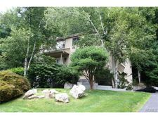 10 Cherry Hill Ct, Briarcliff Manor, NY 10510