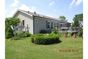 4929 Downington Rd, Deckerville, MI 48427