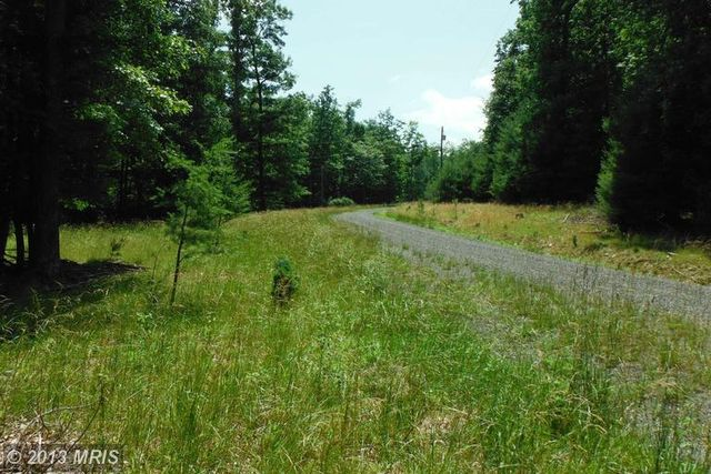 Twin Maple Ln, Upper Tract, WV 26866