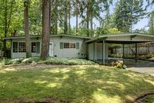 18901 Forest Park Dr Ne, Lake Forest Park, WA 98155