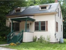 32 Pleasant St, Plymouth, NH 03264