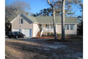 111 Captain Hobbs Ct, Kitty Hawk, NC 27949