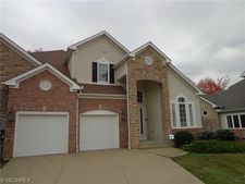 418 E Inverness Dr, Highland Heights, OH 44143