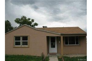 930 S Hazel Ct, Denver, CO 80219