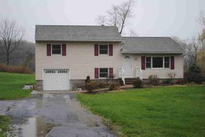 86 Reservoir Rd, Pawling, NY 12564