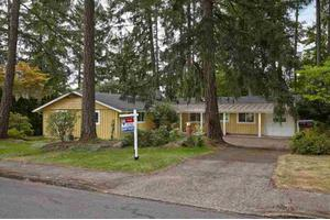 3220 NW McKinley Dr, Corvallis, OR 97330