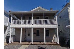802 Hampton St, Scranton, PA 18504