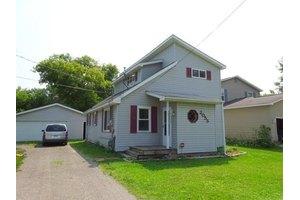 2055 Roslyn Ave, Flint, MI 48532