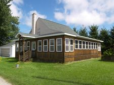 747 E Mount Forest Rd, Pinconning, MI 48650