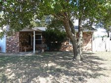 517 W Carson Dr, Mustang, OK 73064