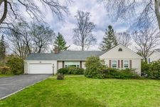 35 Old Wagon Rd, Old Greenwich, CT 06870