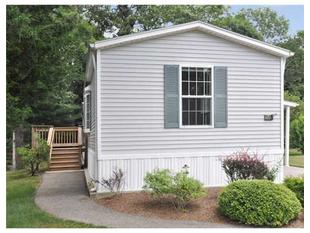 79 PITCH PINE PL, South Kingstown, RI.