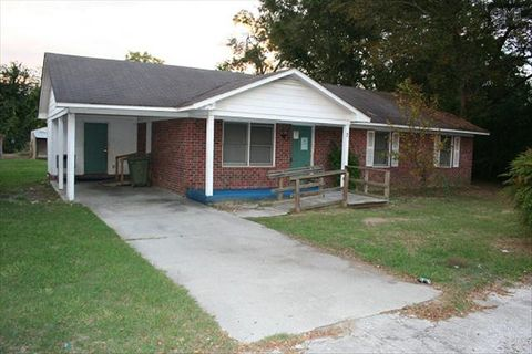 Photo of 7 S Farr Ave, Andrews, SC 29510