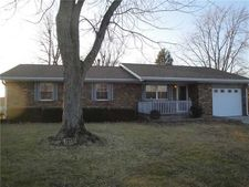 210 Pinedale Dr, Whiteland, IN 46184