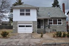 153 New Mallery Pl, Wilkes Barre, PA 18702