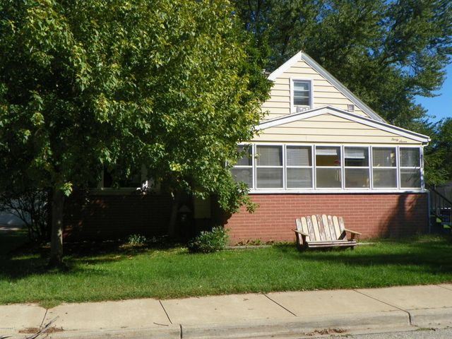 37 w garfield ave zeeland mi 49464 home for sale and