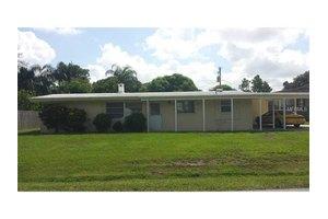 5012 Seville Dr, Sarasota, FL 34235