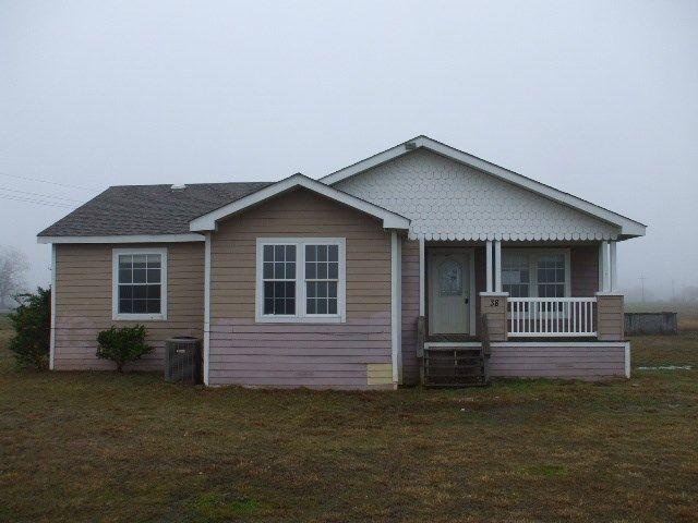 38 Darwin Rd, Whitewright, TX 75491