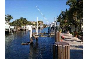 725 Shore Dr, Boynton Beach, FL 33435