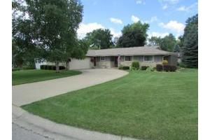 5211 Roberts Dr, Greendale, WI 53129