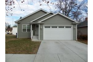 734 Armstrong St, Morris, IL 60450