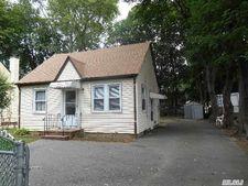 47 N 15th St, Wyandanch, NY 11798