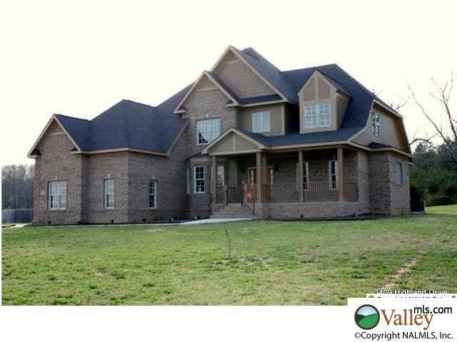 3409 highland dr sw decatur al 35603 for Home builders decatur al