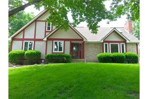 1400 NW Weatherstone Dr, Blue Springs, MO 64015