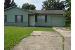3651 Hemlock Ln, Orange, TX 77630