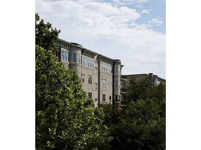 200 Riversedge Dr Unit 241, Atlanta, GA