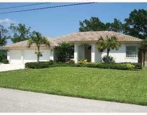 645 East Dr, Delray Beach, FL 33445