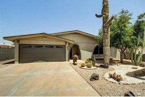 2633 N 49th Pl, Phoenix, AZ 85008
