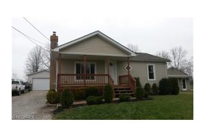 2188 High St NW, Champion, OH 44483