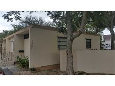 15001 Coconut Ave, Miami Lakes, FL 33014