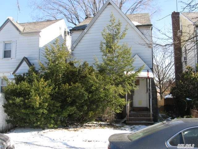 66-27 Selfridge St Forest Hills, NY 11375