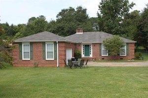 476 Royal Oak Dr, Spartanburg, SC 29302