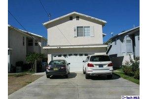 10849 Odell Ave, Sunland, CA 91040