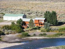 12 Papoose Ln, Clark, WY 82435