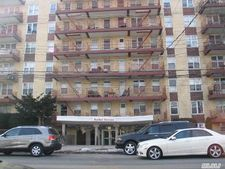 95-20 222nd St, Queens Village, NY 11429
