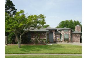 5210 Mill Wood Dr, Corpus Christi, TX 78413