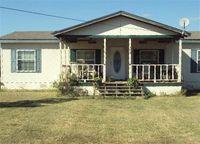 529 Hankins Ln, Oak Grove, LA 71263