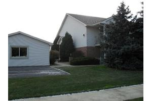 2102 Terrace Dr, Highland, IN 46322