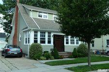 65 Christabel St, Lynbrook, NY 11563