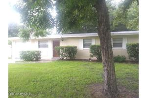 2660 Guerad Dr E, Jacksonville, FL 32210