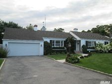 28 Station Rd, Bellport Village, NY 11713