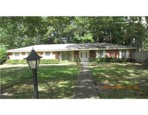 4324 Robinway Dr, Moss Point, MS 39563