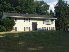 24 Lakeview Dr, Newburgh, NY 12550